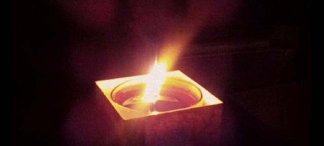 Тишина… Темнота… Свечка… Просто опять выключили свет…